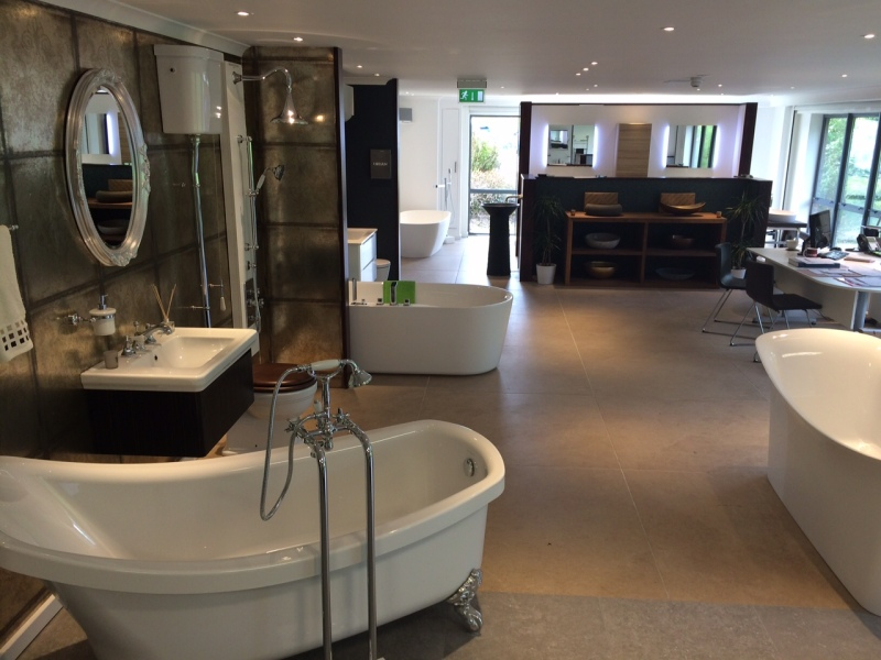 Luxury bathroom showroom in leeds bagnodesign for Bathroom design leeds